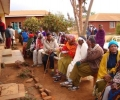 cataract-patients-visited-by-their-relatives